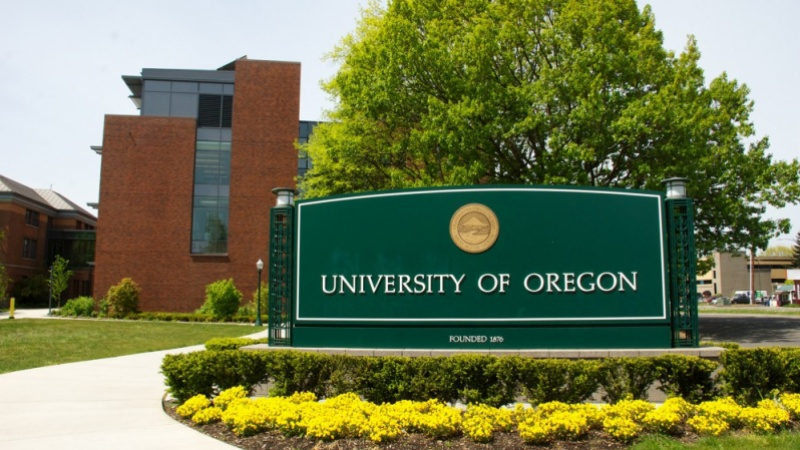The University of Oregon sign